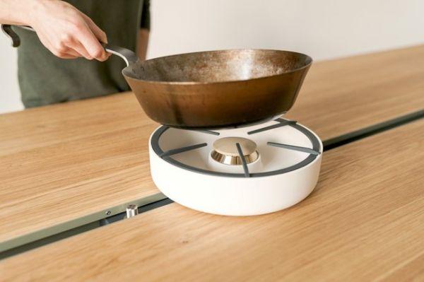 Wohnidee Küche Esstisch Eichenplatte Kochen Moritz Putzier Gaskocher Einbau