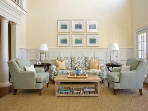 Zartes Beige sorgt im Wohnzimmer für eine erholsame Atmospäre