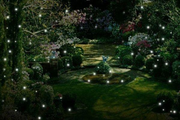 Beleuchtung als Kunstelement bei der Gartengestaltung