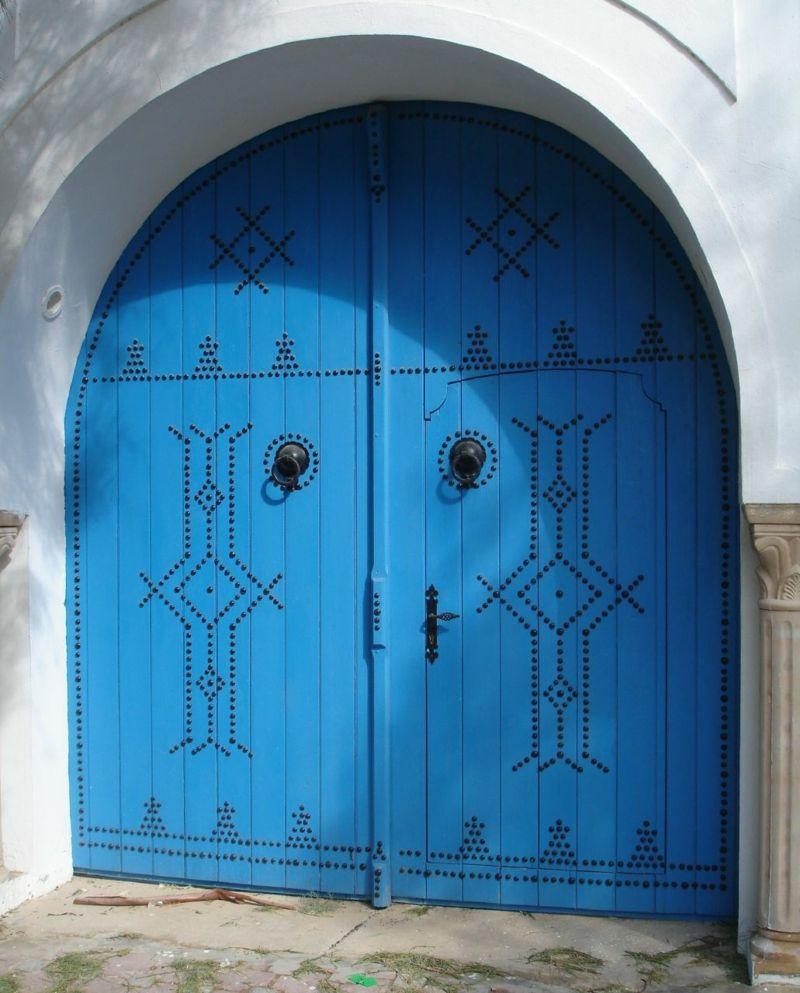 Blau für die Eingangstür im Norden, Osten, Südosten