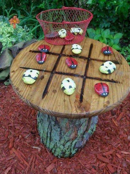 DIY Tic-Tac-Toe bemalte Steine im Garten