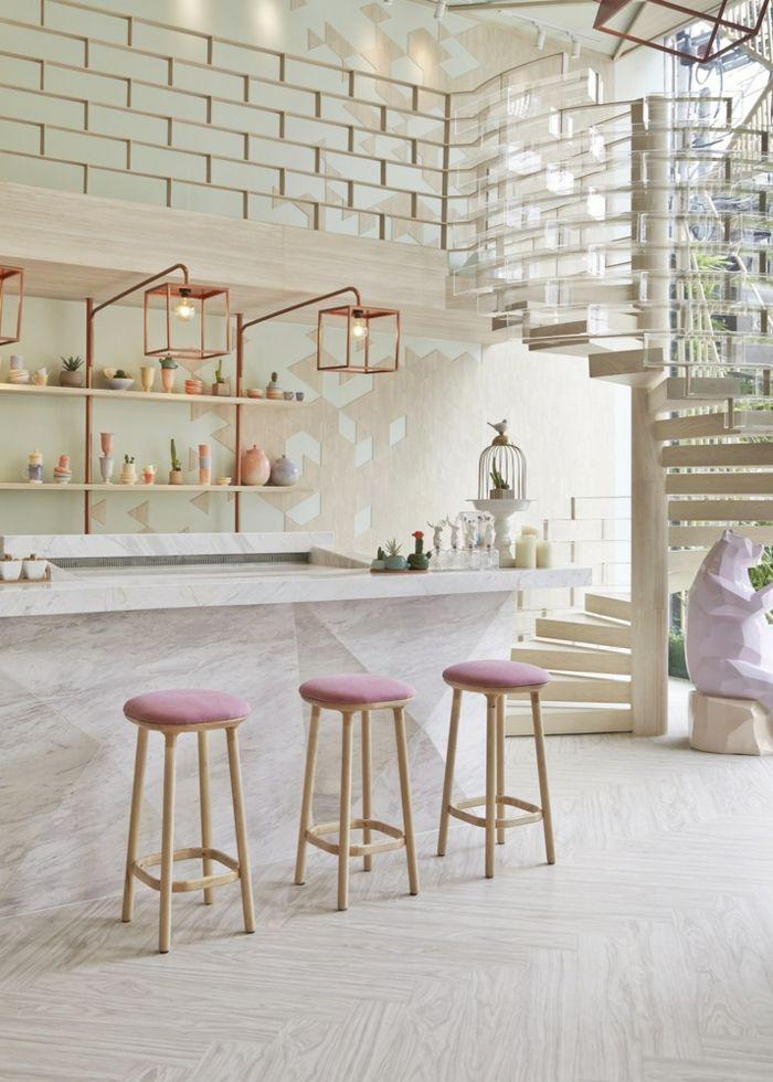Das Kaffeehaus SHUGAA Marmorthecke Pasteltöne designerische Lichtkörper