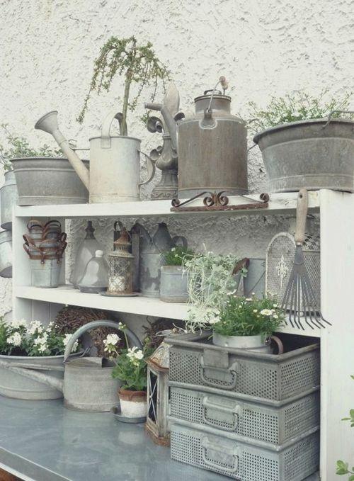 Gartengestaltung tolle Ideen Regale Gartenzubehör