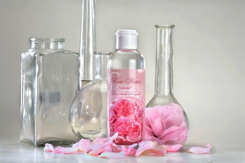 Gesundheitsfördernes Rosenwasser aus Rosa Damascena