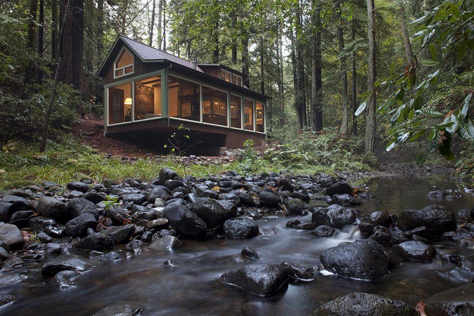 Eine Traumhütte direkt am Flussufer