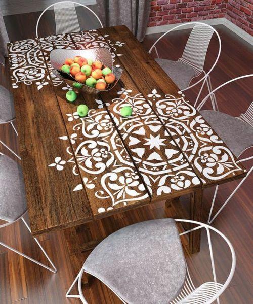 Holztisch outdoor weiße Dekoration Sitzmöbel