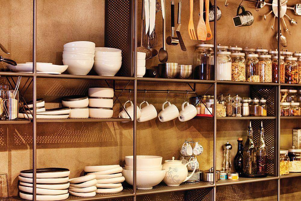 Alles in der Küche befindet sich in greifbarer Nähe