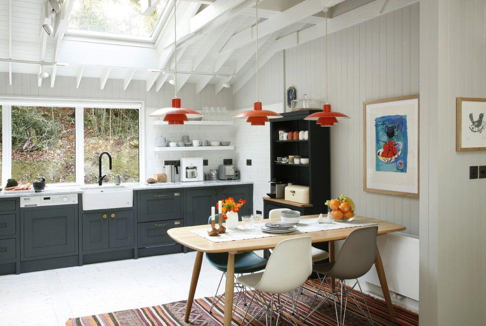 Kleine Räume in Weiß wirken größer und geräumiger