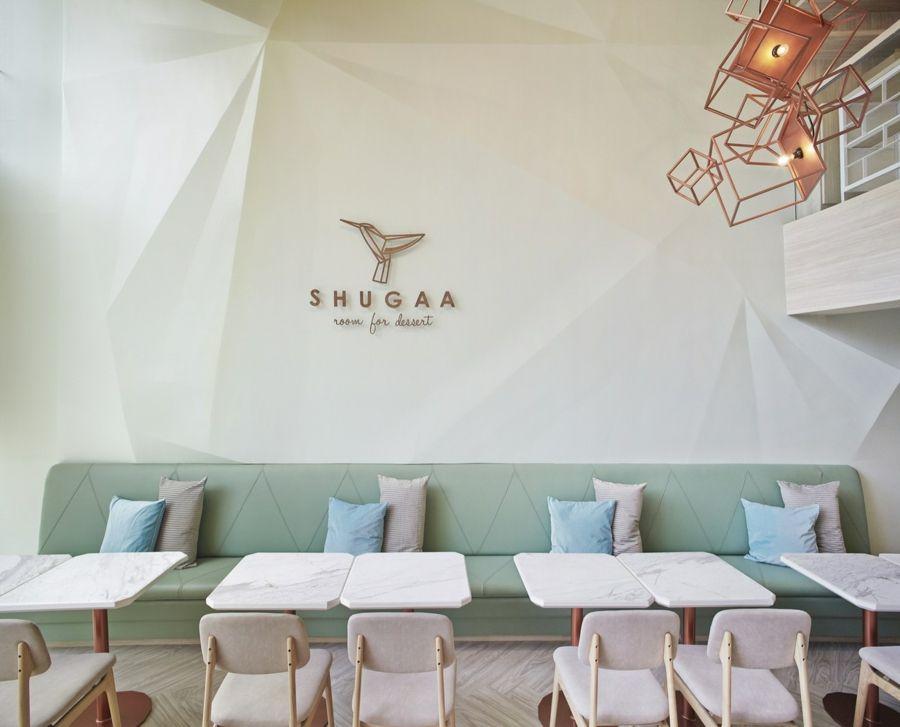 Kaffeehaus Shugaa Sitzmöbel Pasteltöne Marmorplatten