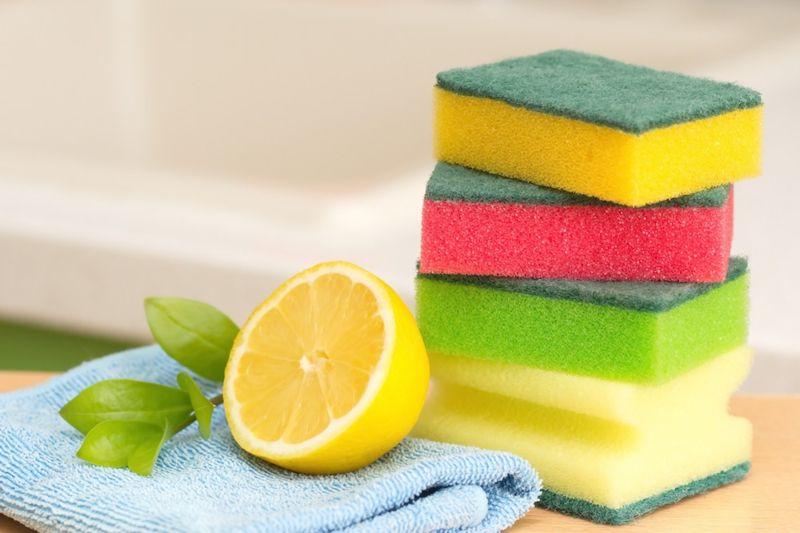 Kalkstein im Haushalt mit Zitronenwasser entfernen