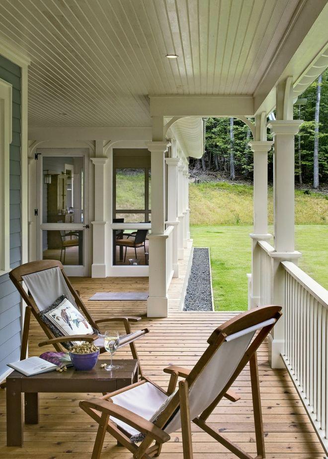 Sitzmöbel Tischlein für zwei Terrasse Gestaltung Holzverkleidung tolle Ausstattung