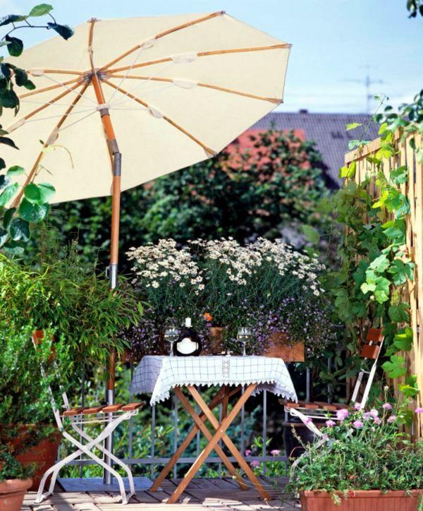Sonnenschirme für den Balkon mit Knickelement