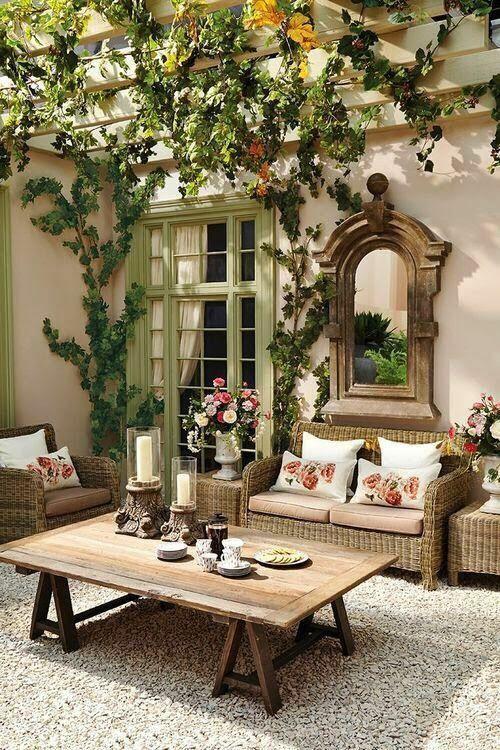 Wohnzimmer im Freien Garten Gestaltung Sitzmöbel aus Geflecht