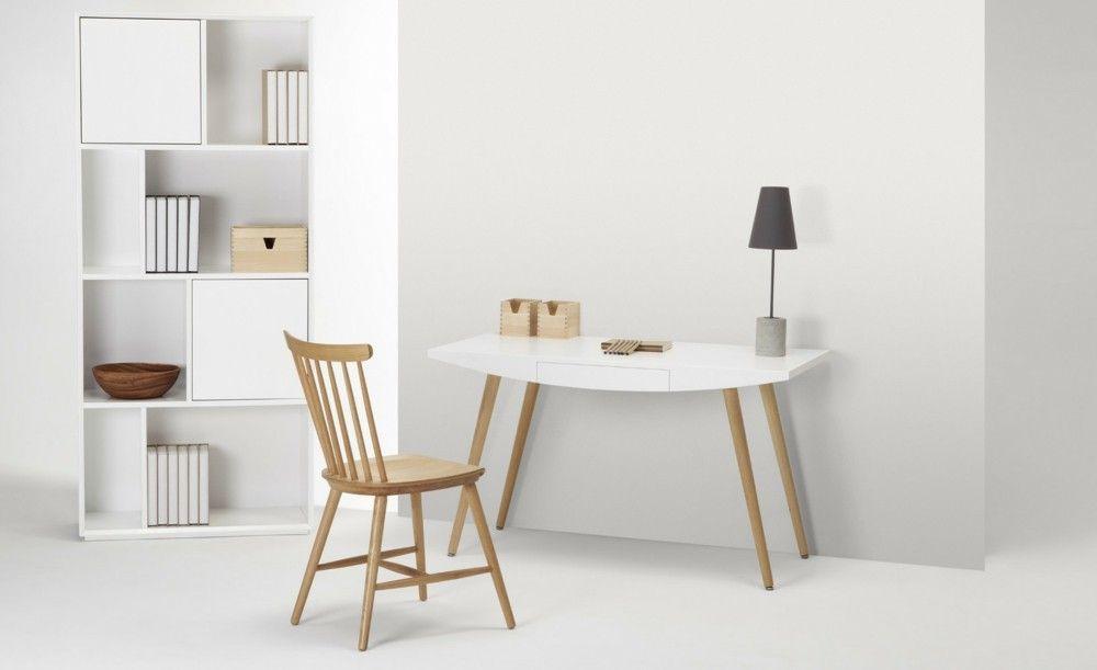 Arbeitsraum in Weiß Home Office Holzstuhl Heimbüro Office Schrank