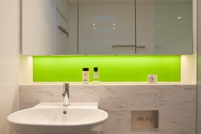 Badezimmer mit Beleuchtung Schrankbeleuchtung