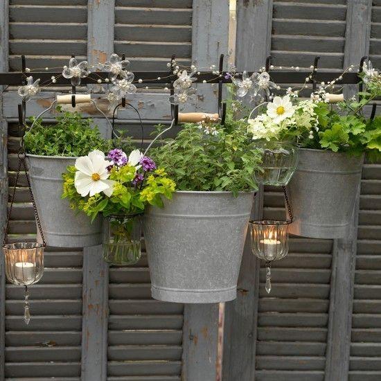Blumentöpfe Gartenzaun Ideen