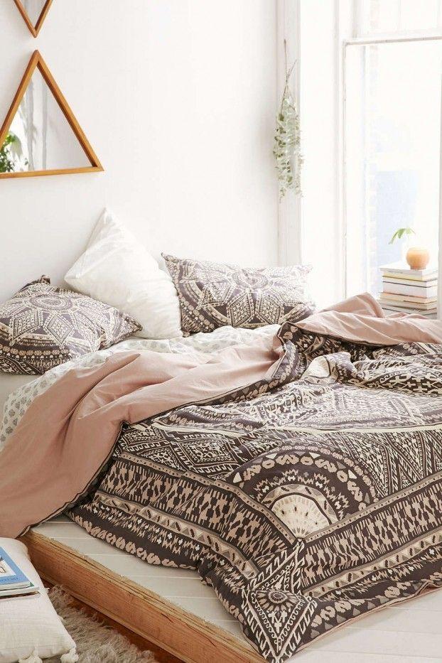 Bohemian Look für das Schlafzimmer Bettwäsche in rose und braun mit Ethno Muster