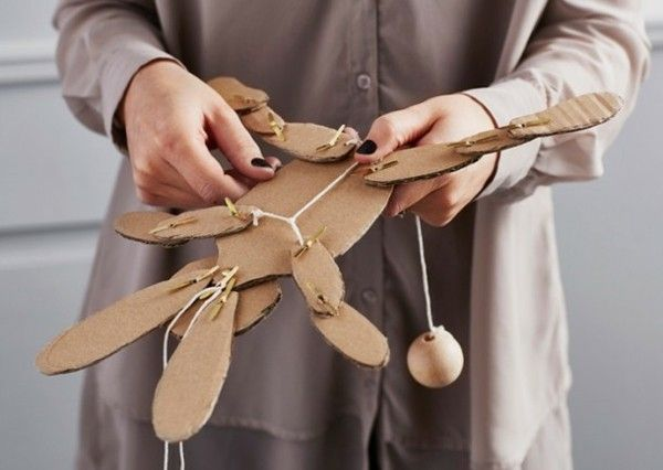 DIY Spielzeuge Hampelmann Jumping Jack alte Verpackungen
