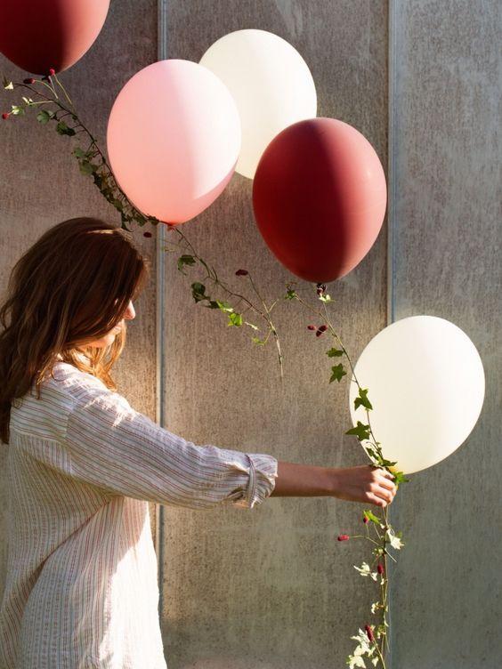 Deko Ideen Garten weiße Luftblasen Efeu Wandverkleidung