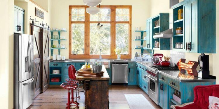 Farbkompositionen in der Küche mit Blau