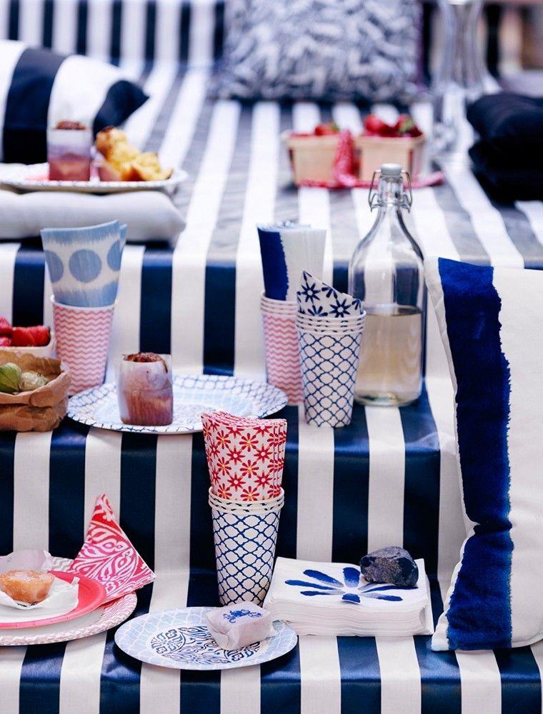 Geschirr blau und weiss Ikea Deko