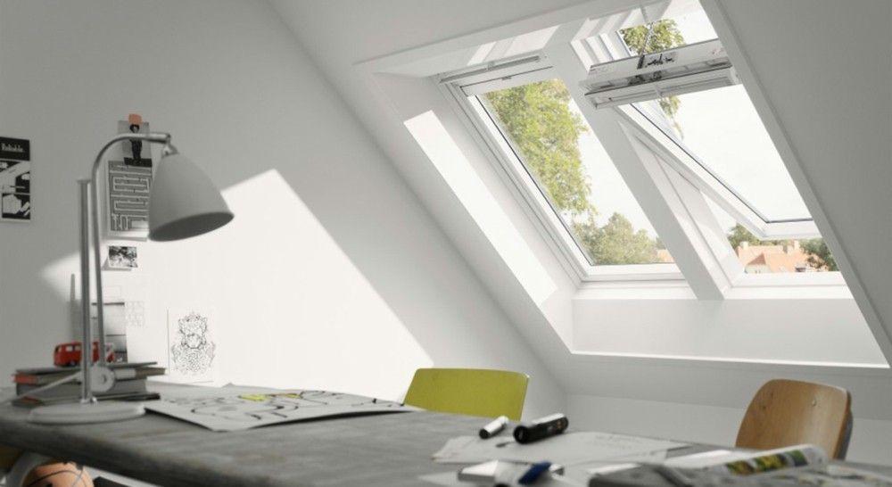 Heimbüro trendige Optik Dachfenster Loft office Möbel