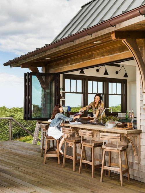 Holzboden Barhocker Outdoor-Küche