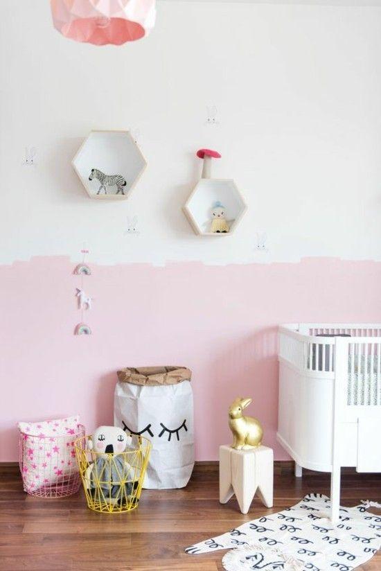 Holzboden Wanddeko Wandgestaltung in Rosa und Weiß