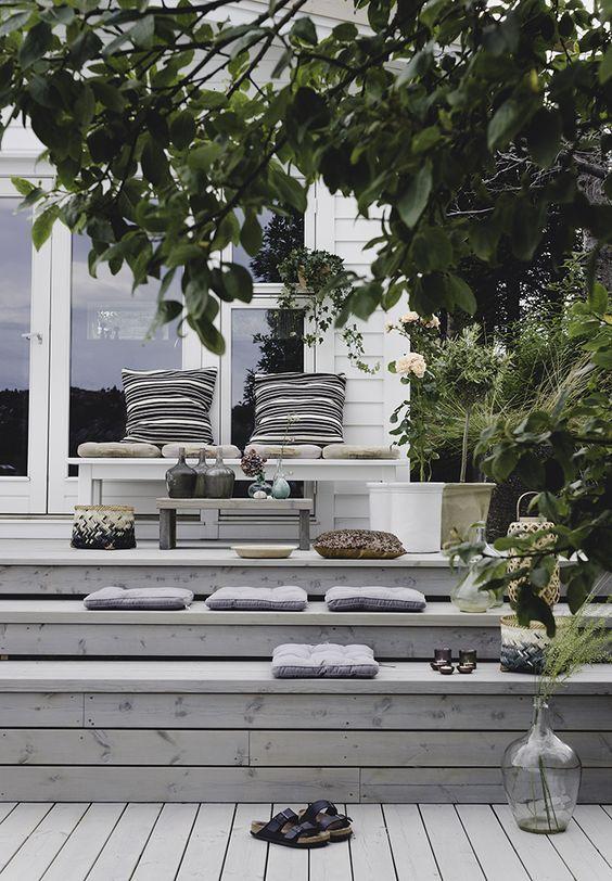 Holzboden in Weiß Bodenkissen Freizeit Deko Ideen