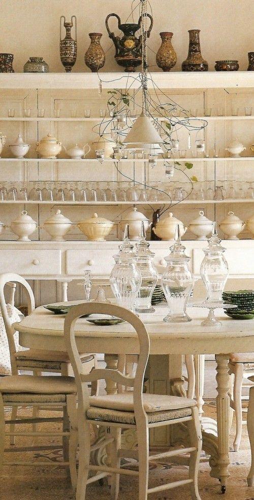 Küche aus massivem Holz im Provence