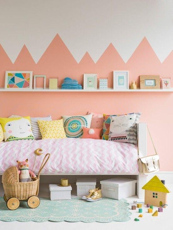 Kinderzimmer Wände streichen dreieckige Optik