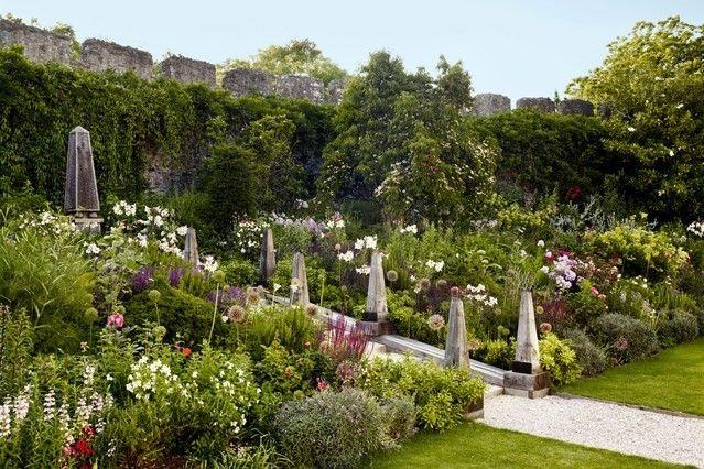 Moderner entworfener Landhausgarten