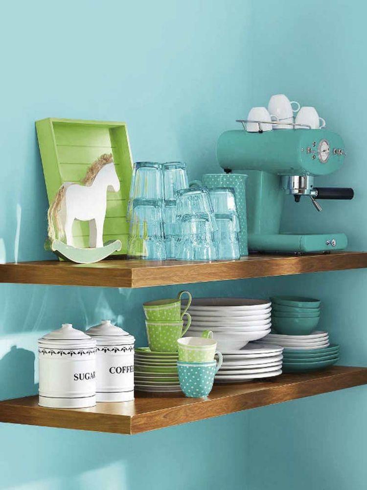 Wunderschön sind blau lasierte Gefässe aus Keramik, Glas oder Porzellan