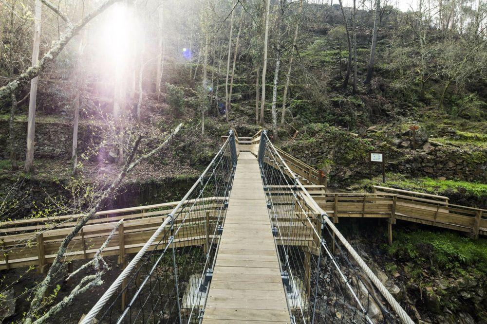 gesicherte Geländer Brücke Outdoor Tätigkeiten Paiva Walkways