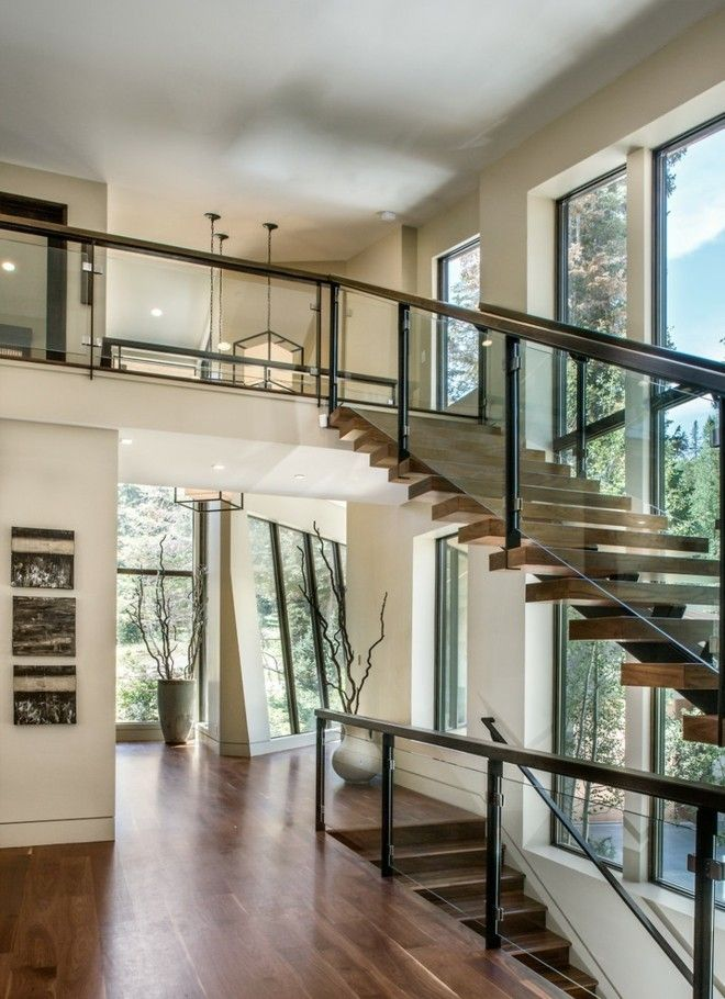 moderne wendeltreppe totaler blickfang im innenraum. Black Bedroom Furniture Sets. Home Design Ideas