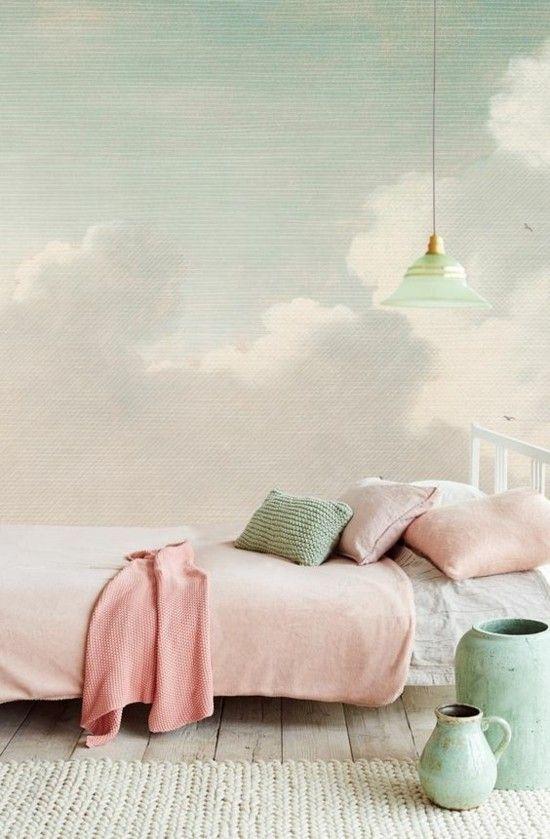 schlichtes Kinderzimmer in Rosa und Blau Wanddeko Wolken