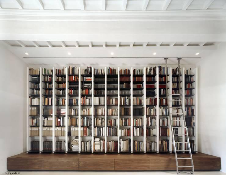 Bücherregale ordnen Heimbüro