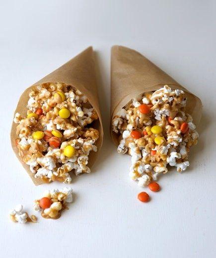 Ein bunter Beutel Popcorn