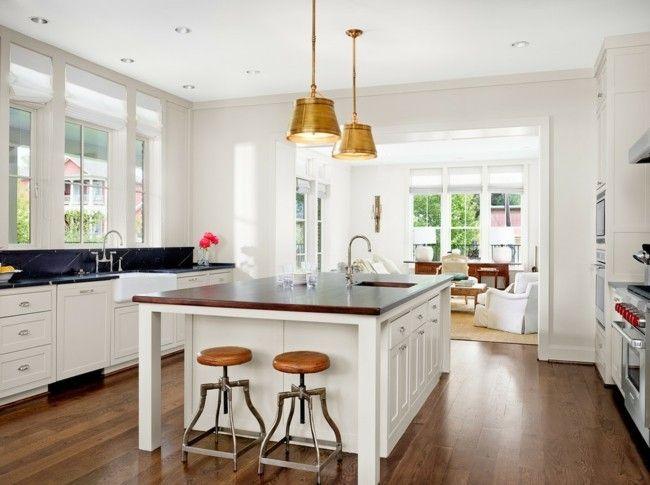 Einsrichtungsideen klassische Küche weiße Kücheninsel