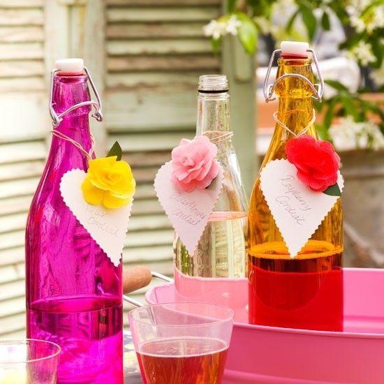 Garten Tischdekoration Blumen Gläser