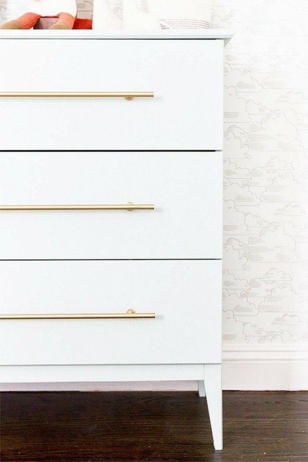 Ikea Hacks  Ideen weiße Kommode goldfarbene Griffe
