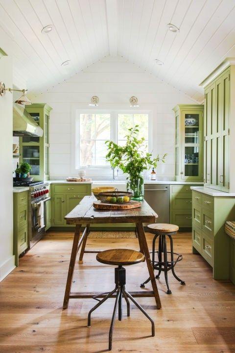 Küche Grün Weiß Landhausstil Retro Hocker