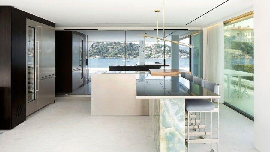 Kücheninsel moderne Küche in minimalistischem Stil Panoramafenster