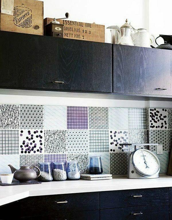 Küchenspiegel Fliesenspiegel bunte Fliesen Küchenschränke