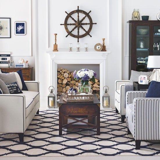 Maritime Deko Ideen Wohnzimmer Kamine weißes Sofa