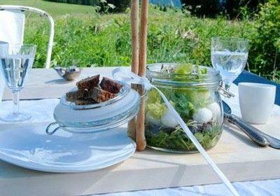 Sommerfest Tischgestaltung Salat Croûtons