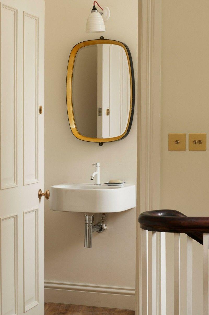 Spiegel goldener Rahmen Wohnideen trendiges Bad
