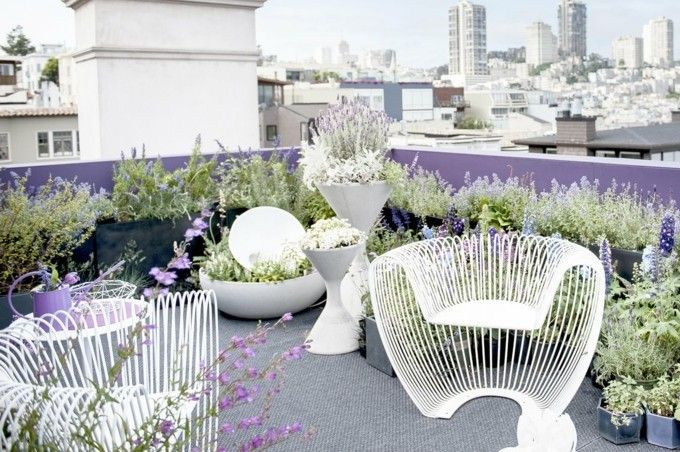 Terrasse in Lila trendige Einrichtungsideen Design Garten