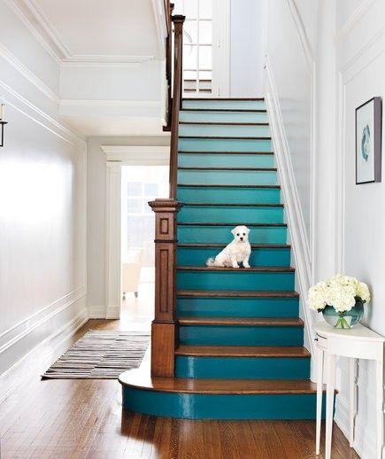 Mit dem Ombre-Effekt sieht die Treppe einladend aus