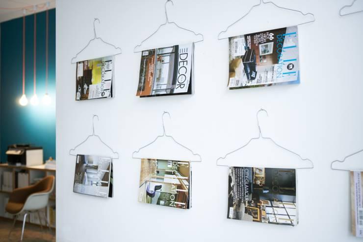 Wand Deko aus Bügeln und Zeitschriften Heimbüro Tipps